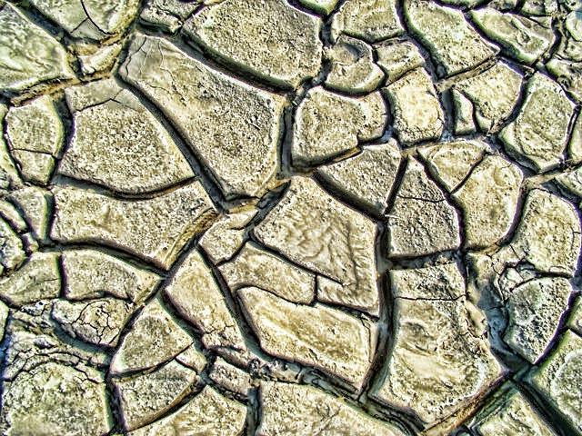 Land crack