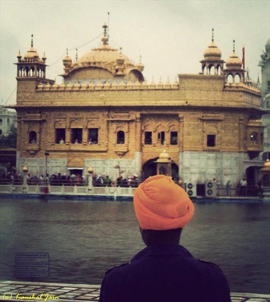 Devotee and the Guru