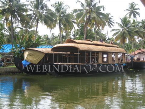 Alleppey Houseboat, Kerala