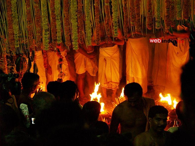 Vadakkupurathu paattu Ritual