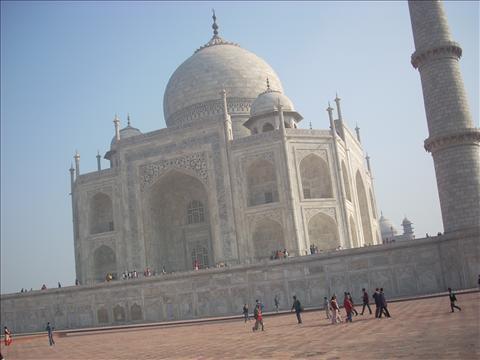 Leaning Taj Mahal