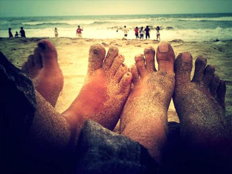 Touching the sea together........
