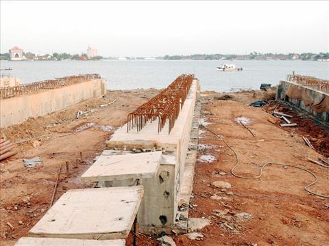 Vallarpadam Construction