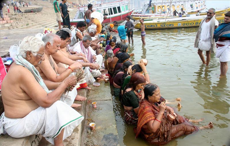 Devotees during Shivratri, Varanasi