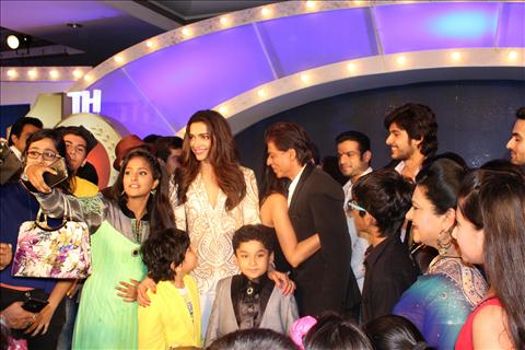 shahrukh khan with tv artist