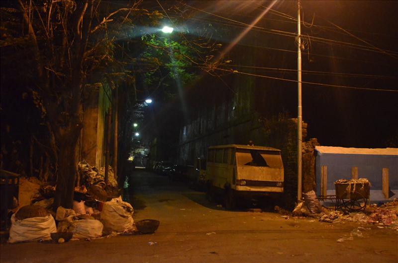 street night in kolkata