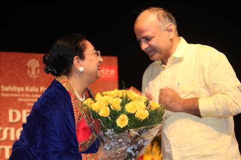 Shri Manish Sisodia and Begum Parween Sultana at Delhi Classical Music Festival