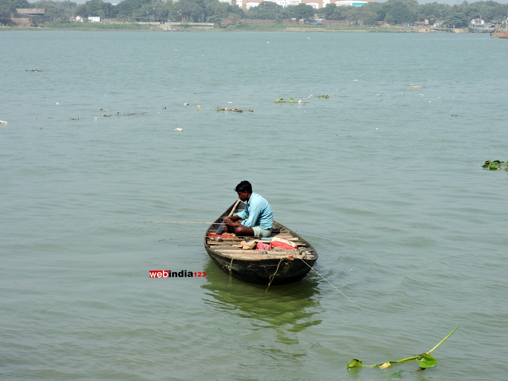 Fishing at Hooghly River