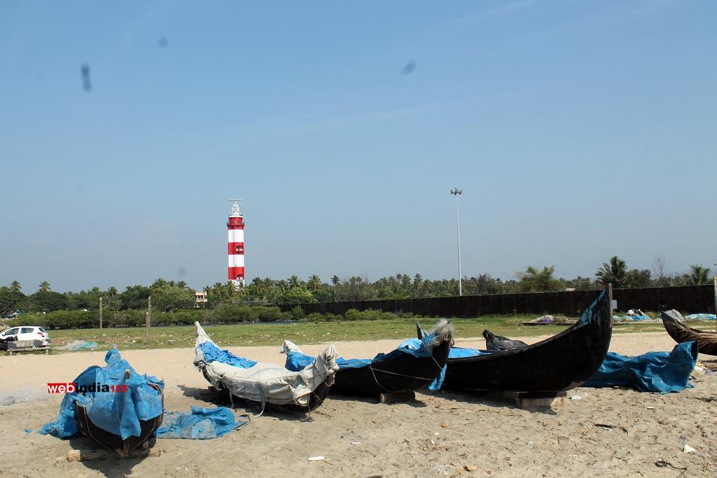 Lighthouse - Puthuvype Beach
