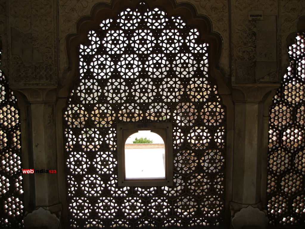 amber fort lattice window jaipur photos