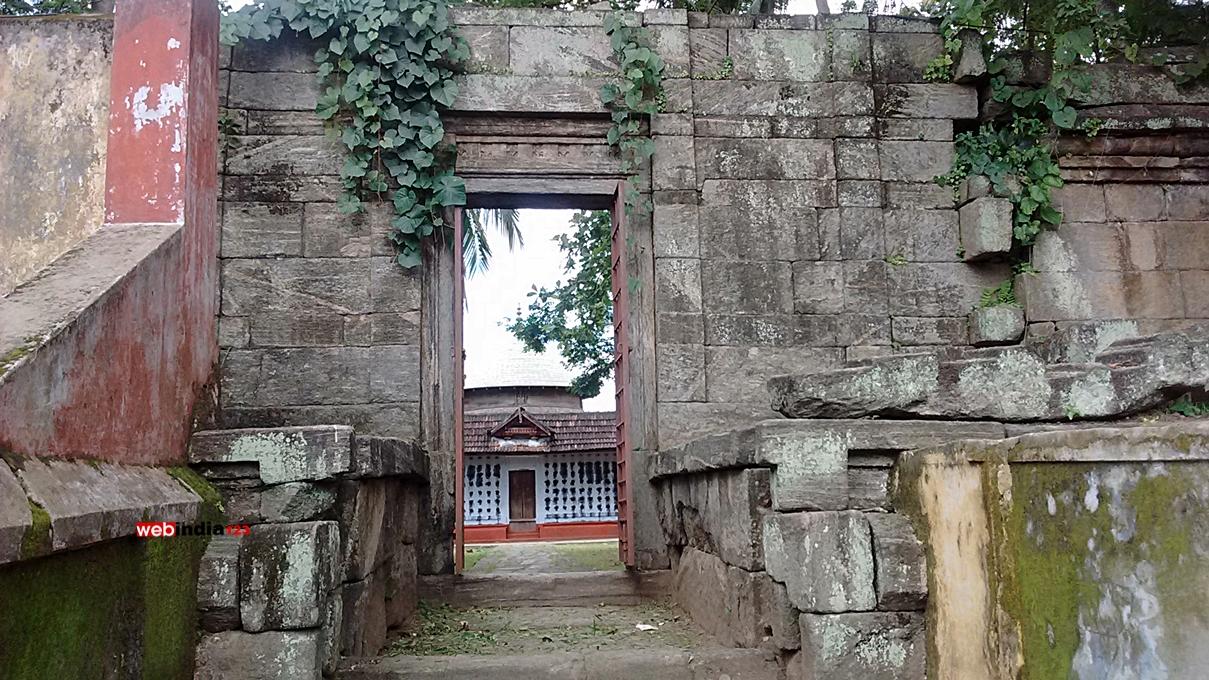 Thiruvalathur Randu Moorthy Temple, Palakkad