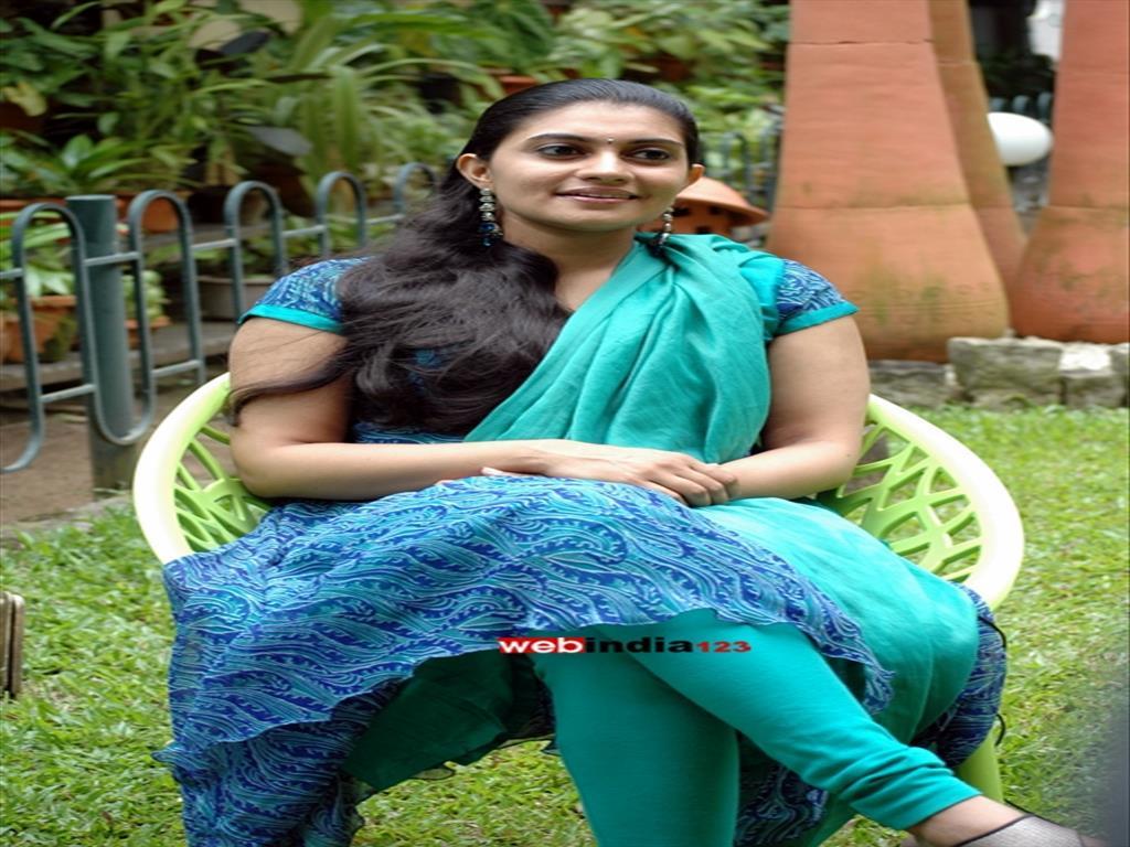 Divya Ravi, Bharatanatyam Dancer