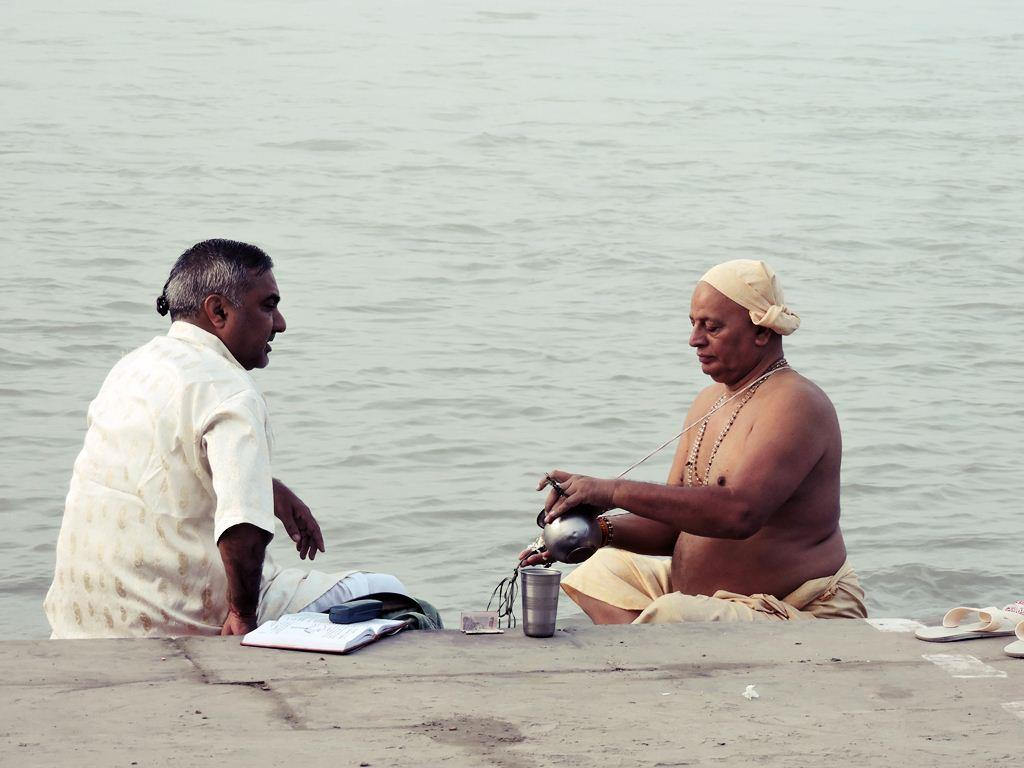 Morning Rituals performed in Holy Ganga River