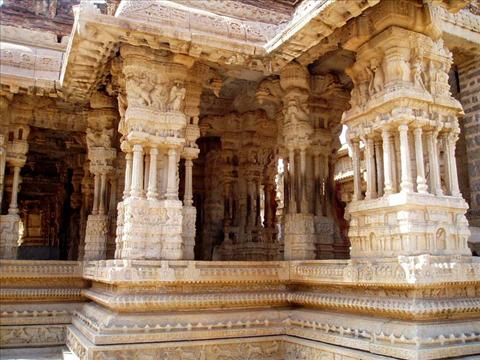 This is musical pillars in Hampi palace. Every pil